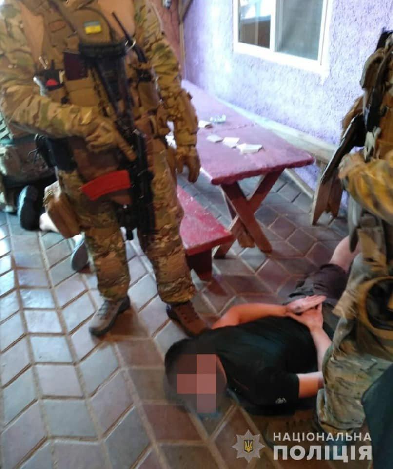 Под Днепром задержали трех иностранцев, ограбивших пенсионеров, фото-3