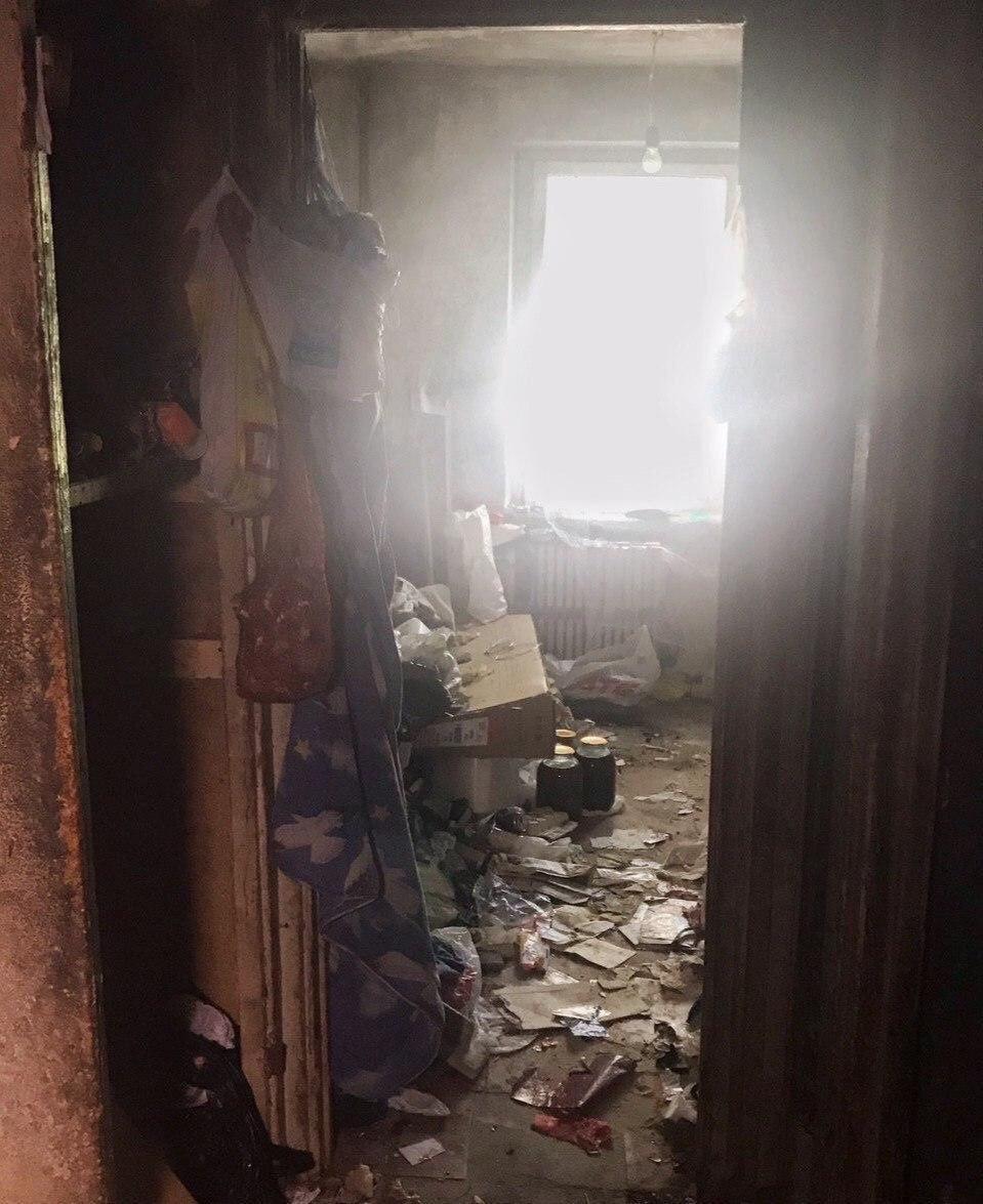 В Днепре из квартиры женщины вывезли 3 тонны мусора, - ФОТО, ВИДЕО, фото-6