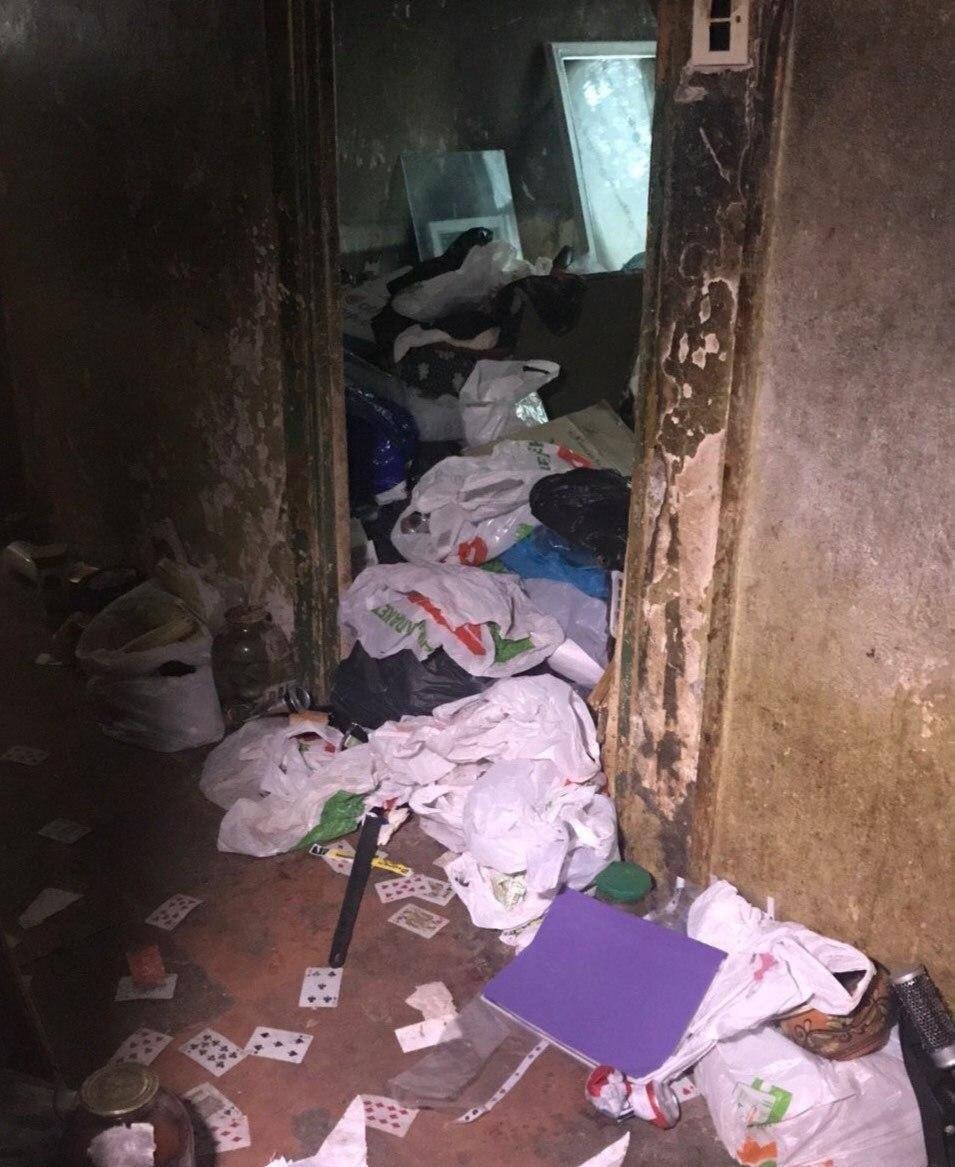 В Днепре из квартиры женщины вывезли 3 тонны мусора, - ФОТО, ВИДЕО, фото-1
