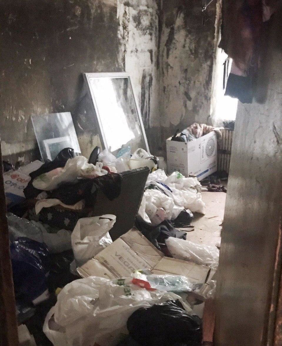 В Днепре из квартиры женщины вывезли 3 тонны мусора, - ФОТО, ВИДЕО, фото-7