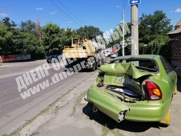 В Днепре автокран въехал в легковушку: пострадала девушка, - ФОТО, фото-2
