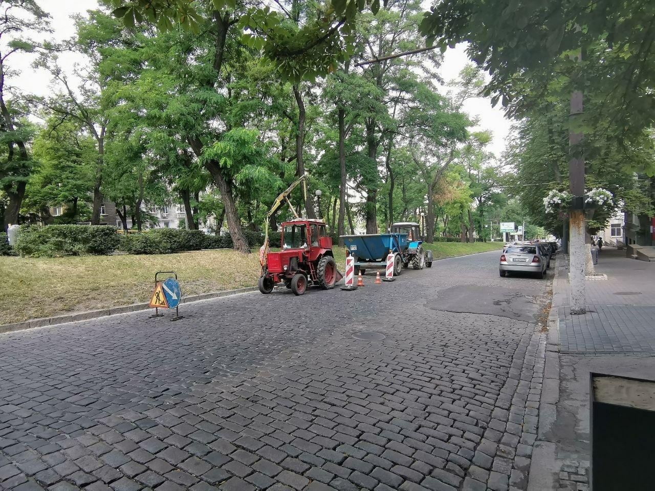 В центре Днепра чистят и заменяют ливневки, - ФОТО, фото-2