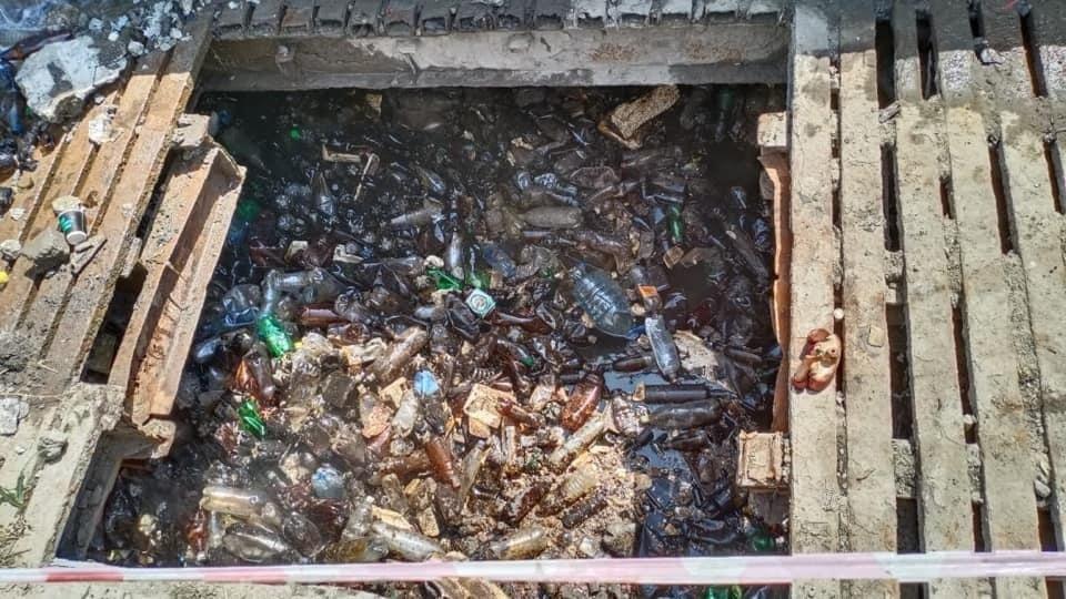 Мусора по пояс: как в Днепре прочищают коллекторы , фото-1