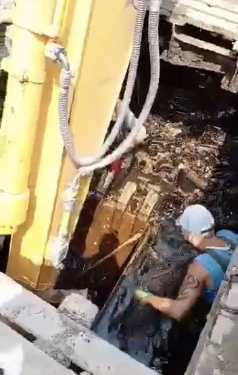 Мусора по пояс: как в Днепре прочищают коллекторы , фото-4