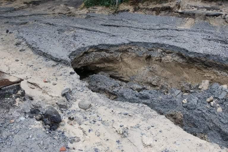 В Днепре на Крестьянском спуске в третий раз за два месяца размыло дороги, - ФОТО, фото-2