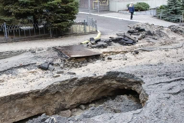 В Днепре на Крестьянском спуске в третий раз за два месяца размыло дороги, - ФОТО, фото-8