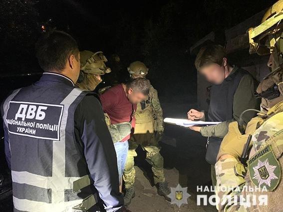 В Днепропетровской области лидер наркогруппировки пытался подкупить зама начальника полиции, - ФОТО, фото-2