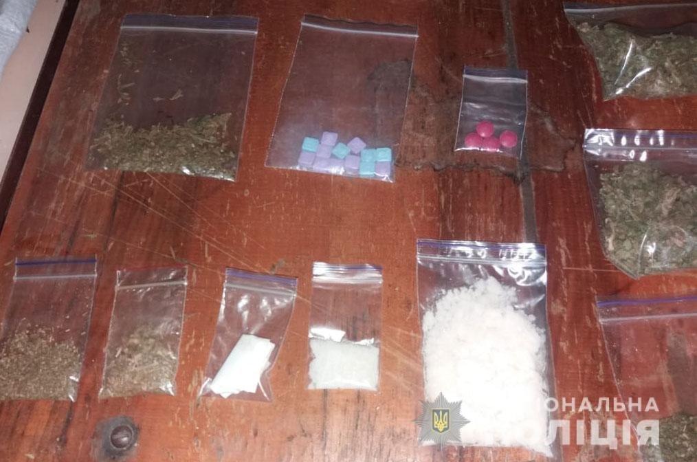 В Днепре мужчина хранил у себя дома наркотики на сумму около полмиллиона гривен, - ФОТО, ВИДЕО, фото-3
