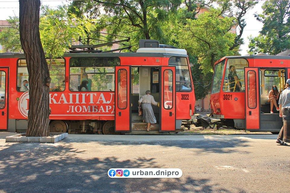 В Днепре появилась первая трамвайная посадочная платформа, - ФОТО, фото-7