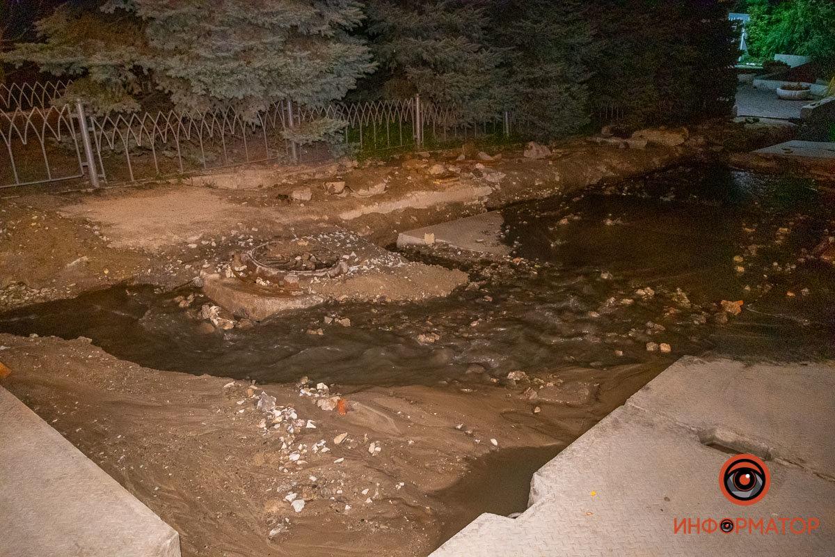Прорвало канализацию: в Днепре вновь размыло Крестьянский спуск, - ФОТО, фото-3