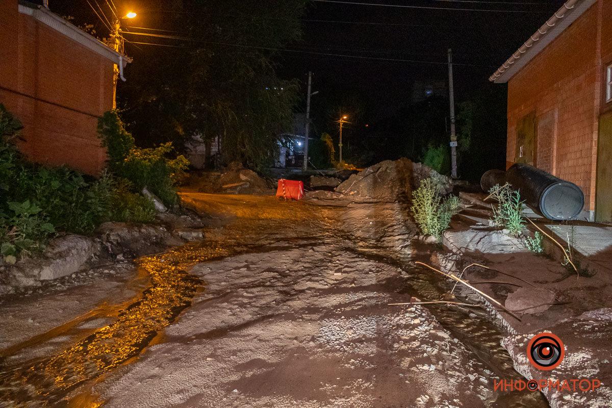 Прорвало канализацию: в Днепре вновь размыло Крестьянский спуск, - ФОТО, фото-9