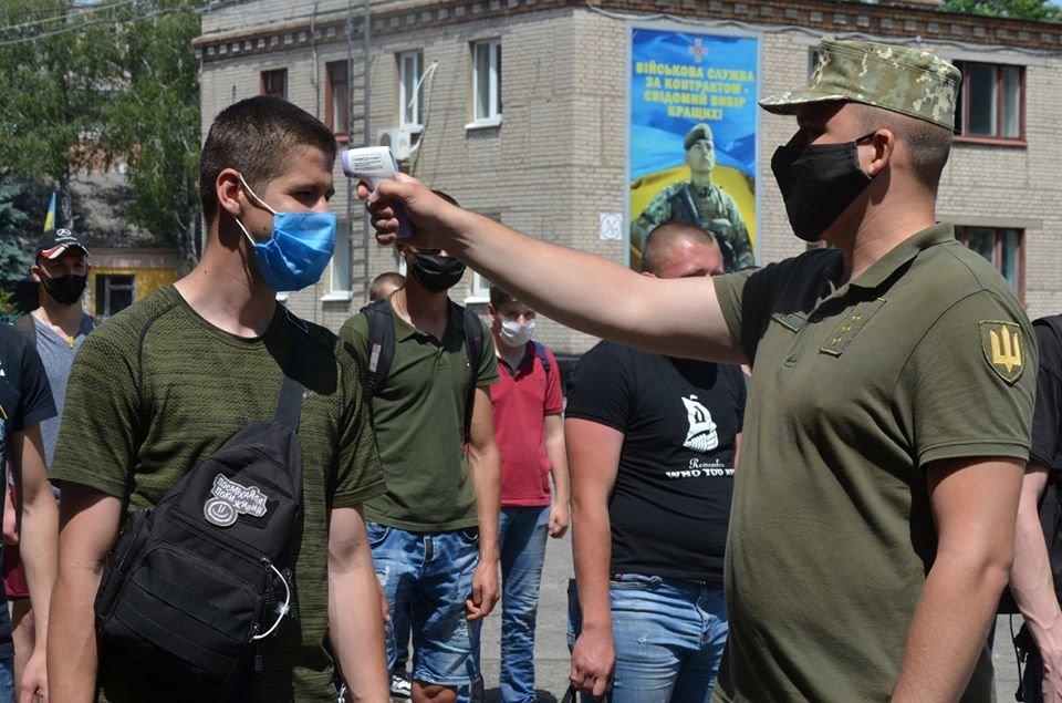 В Днепропетровской области закончилась призывная кампания: призвали 1500 человек, фото-2