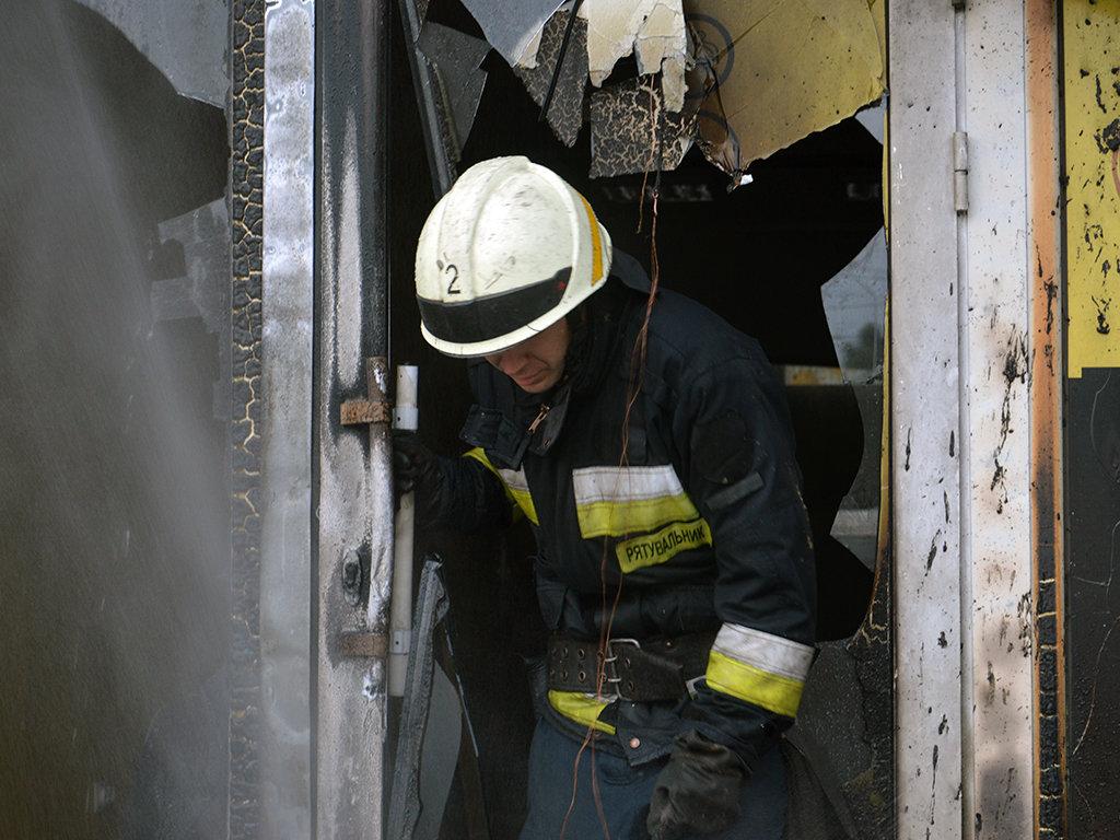 В Днепре на Пастера утром горели пять киосков, - ФОТО, фото-4