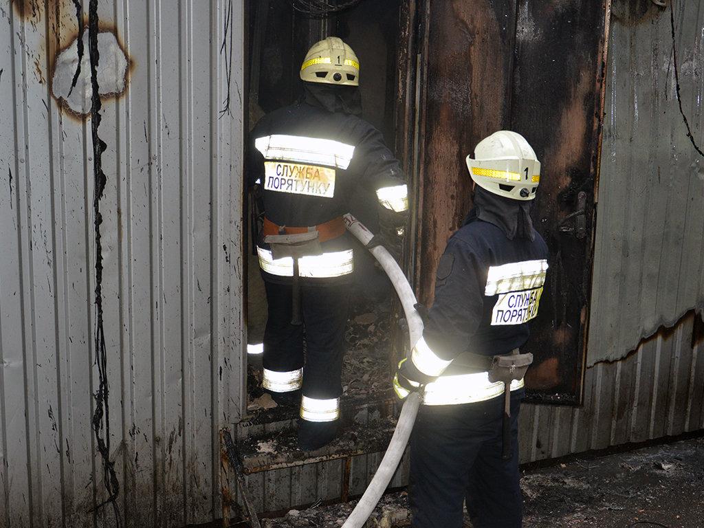 В Днепре на Пастера утром горели пять киосков, - ФОТО, фото-6
