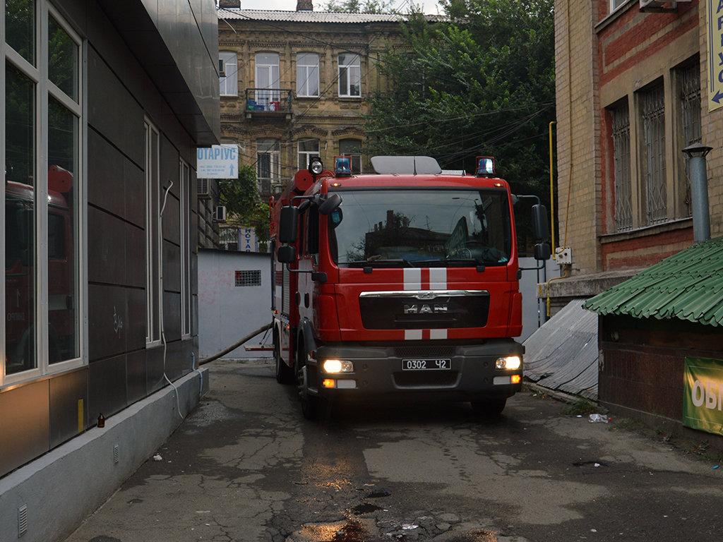 В Днепре на Пастера утром горели пять киосков, - ФОТО, фото-3