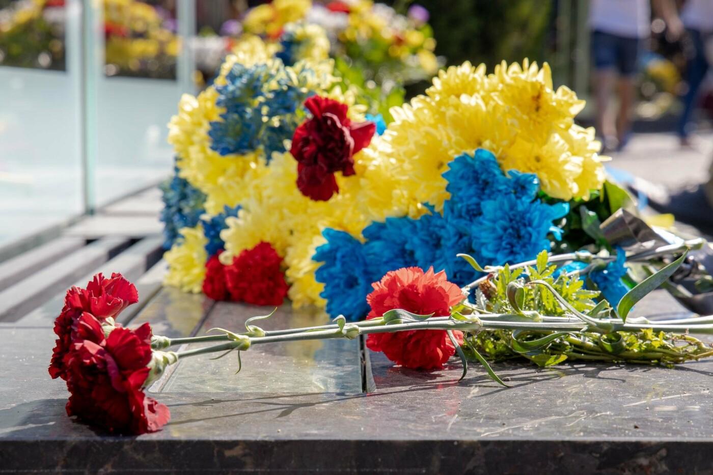 В Днепре почтили память погибших защитников Украины, - ФОТО, фото-1