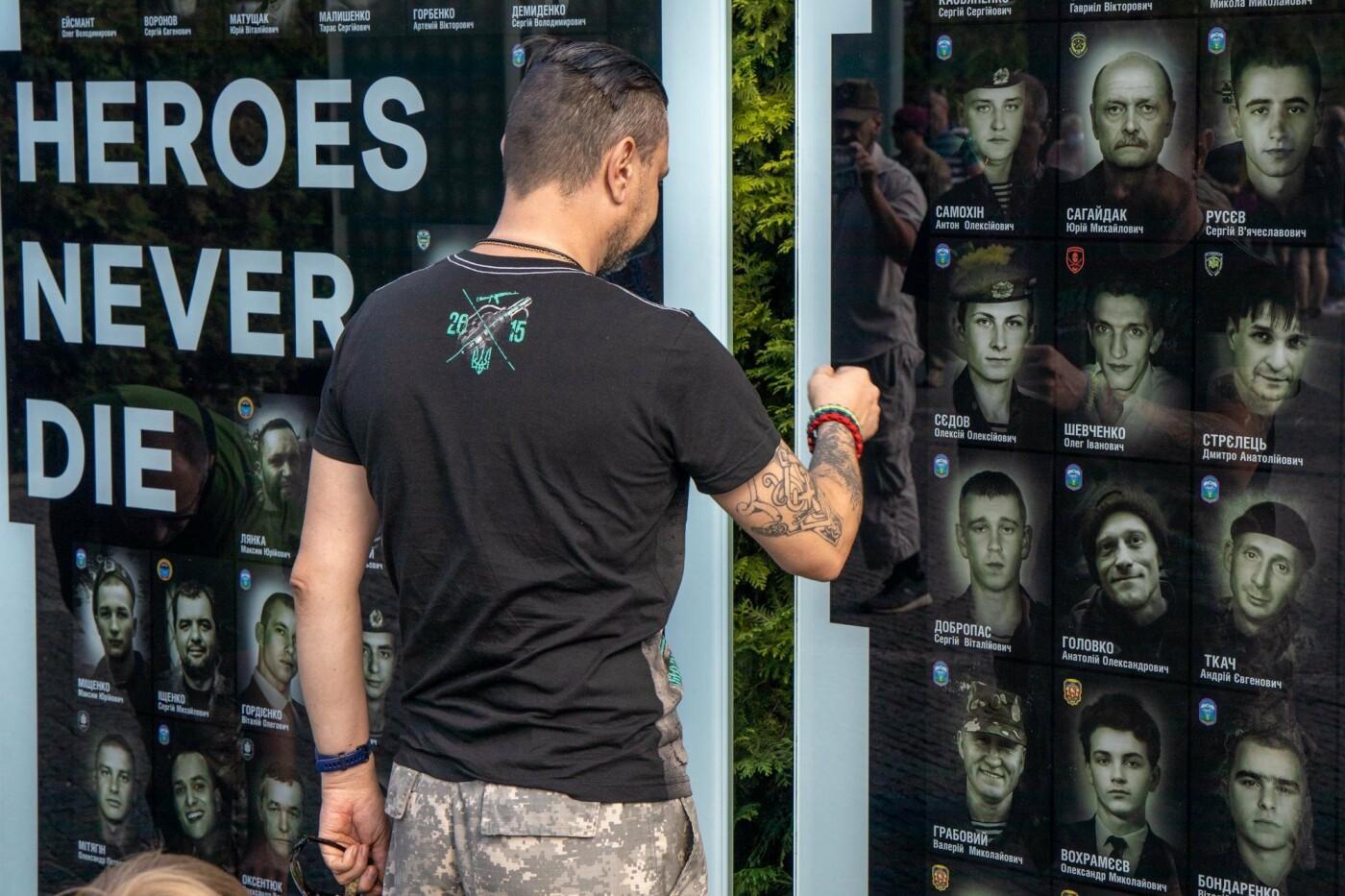 В Днепре почтили память погибших защитников Украины, - ФОТО, фото-8