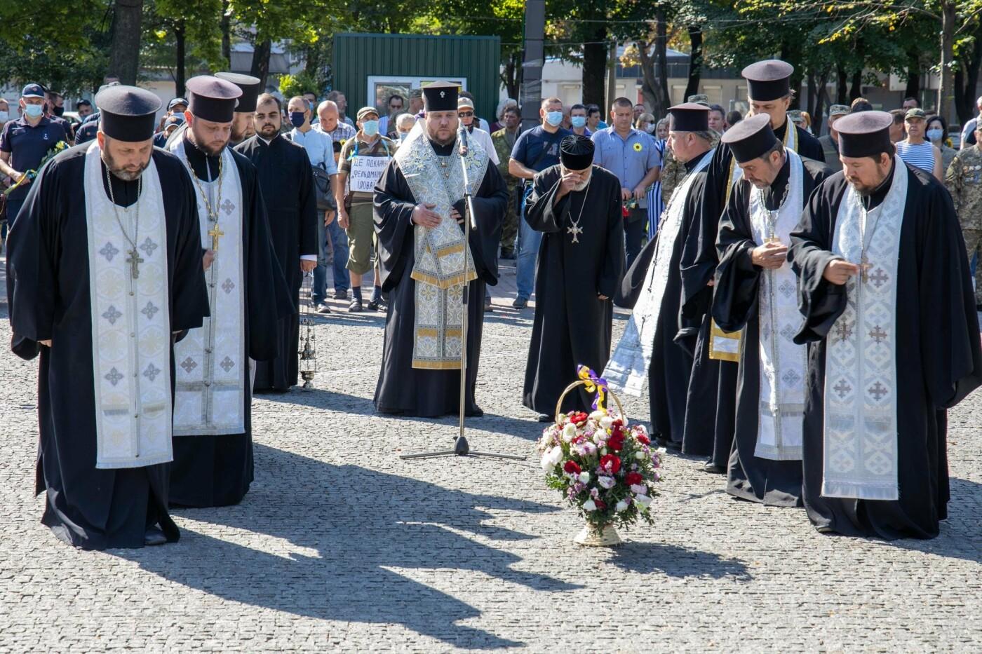 В Днепре почтили память погибших защитников Украины, - ФОТО, фото-2