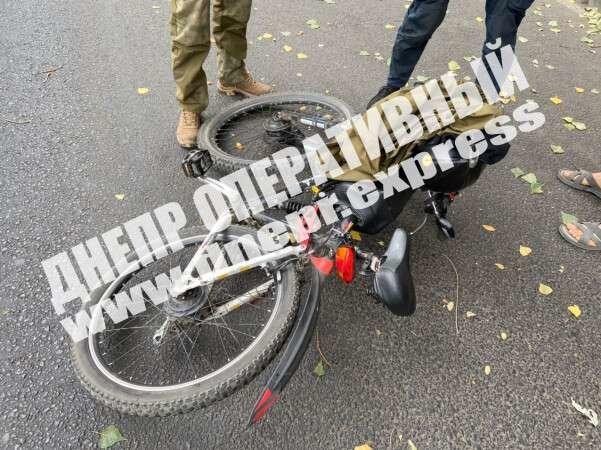 В Днепре мужчина на иномарке сбил велосипедиста, - ФОТО, фото-2