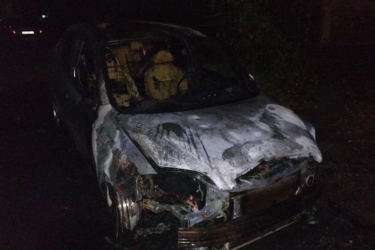 В Днепре сгорела машина на временной стоянке, - ФОТО, фото-2