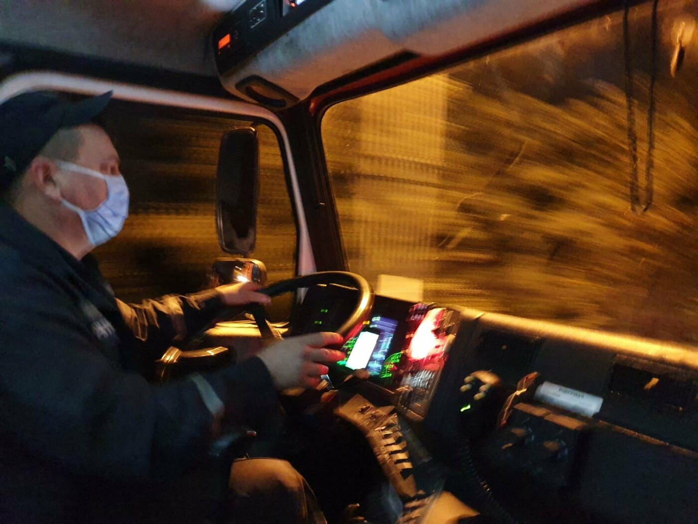 В Днепре спасатели продезинфицировали улицы перед выборами, - ФОТО, фото-3