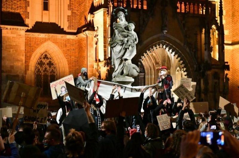 Рассказ днепрянки: как проходят протесты из-за запретов абортов в Польше , фото-2