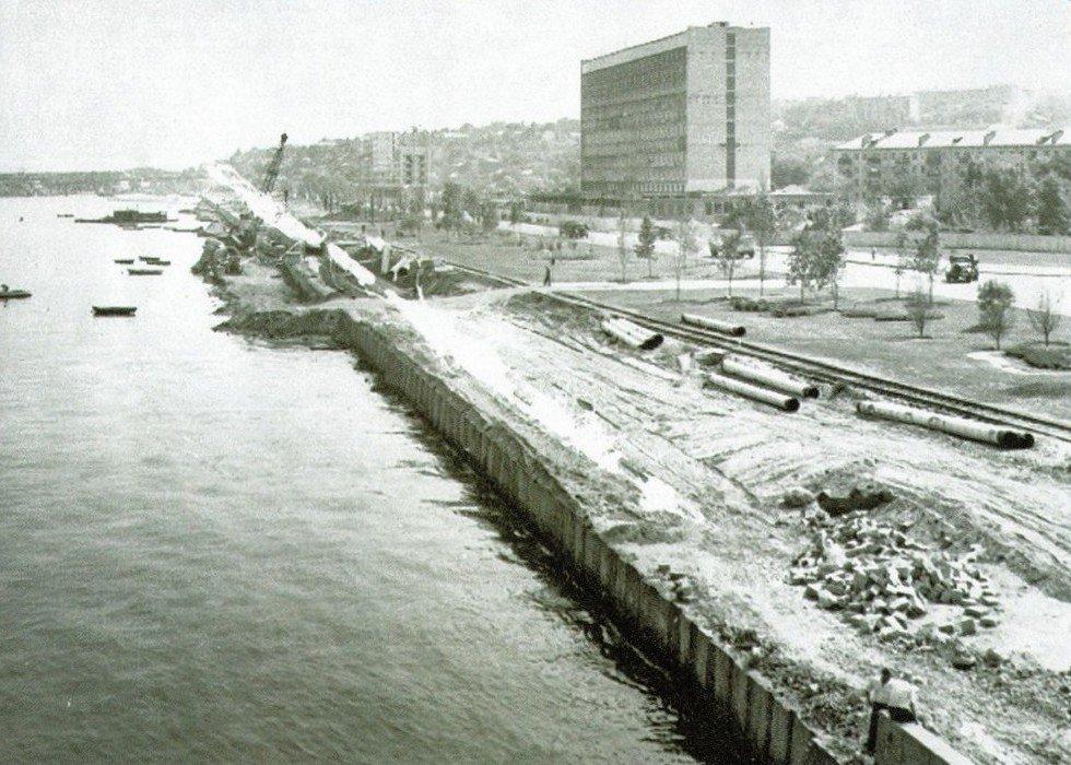 Набережная в районе съезда с Центрального моста, 1965 год
