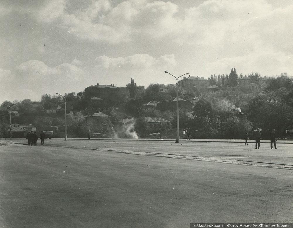 """Вид с набережной на уже несуществующий район """"Каменья"""", 1967 год"""