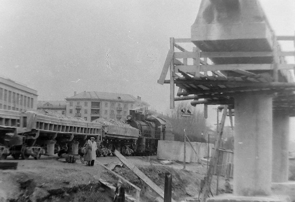 Набережная во время строительства Центрального моста, 1965 год, фото-2