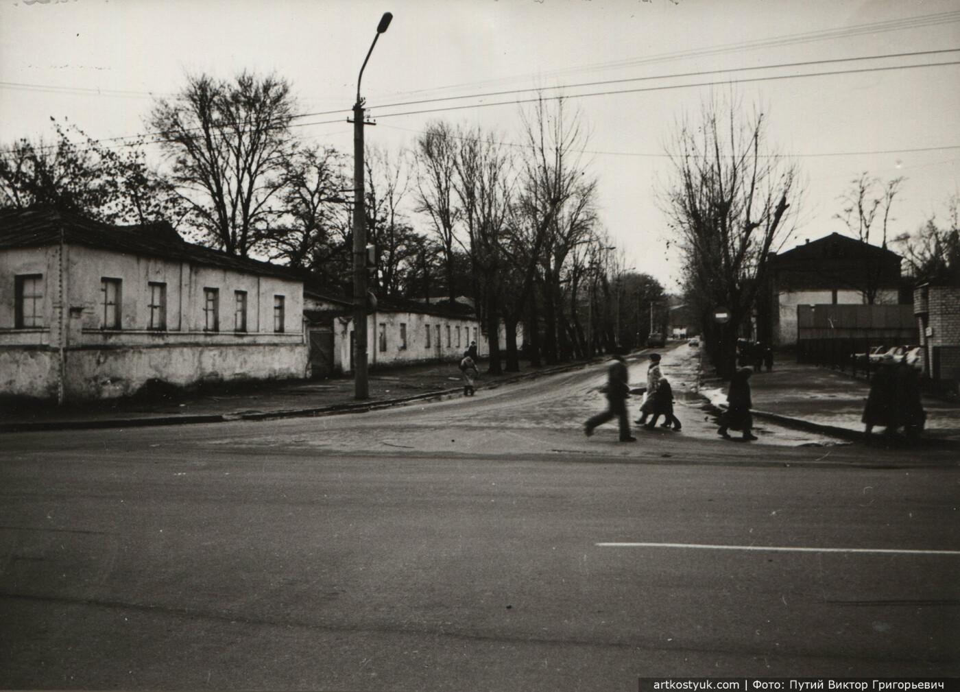 Пересечение улиц Харьковская и Владимира Великого, 1980-е годы