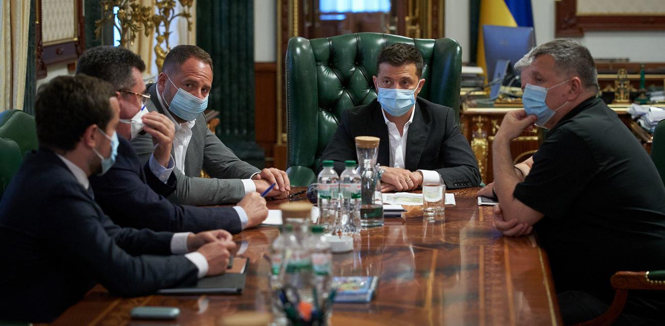 В Офисе Президента обсуждают введение локдауна в Украине