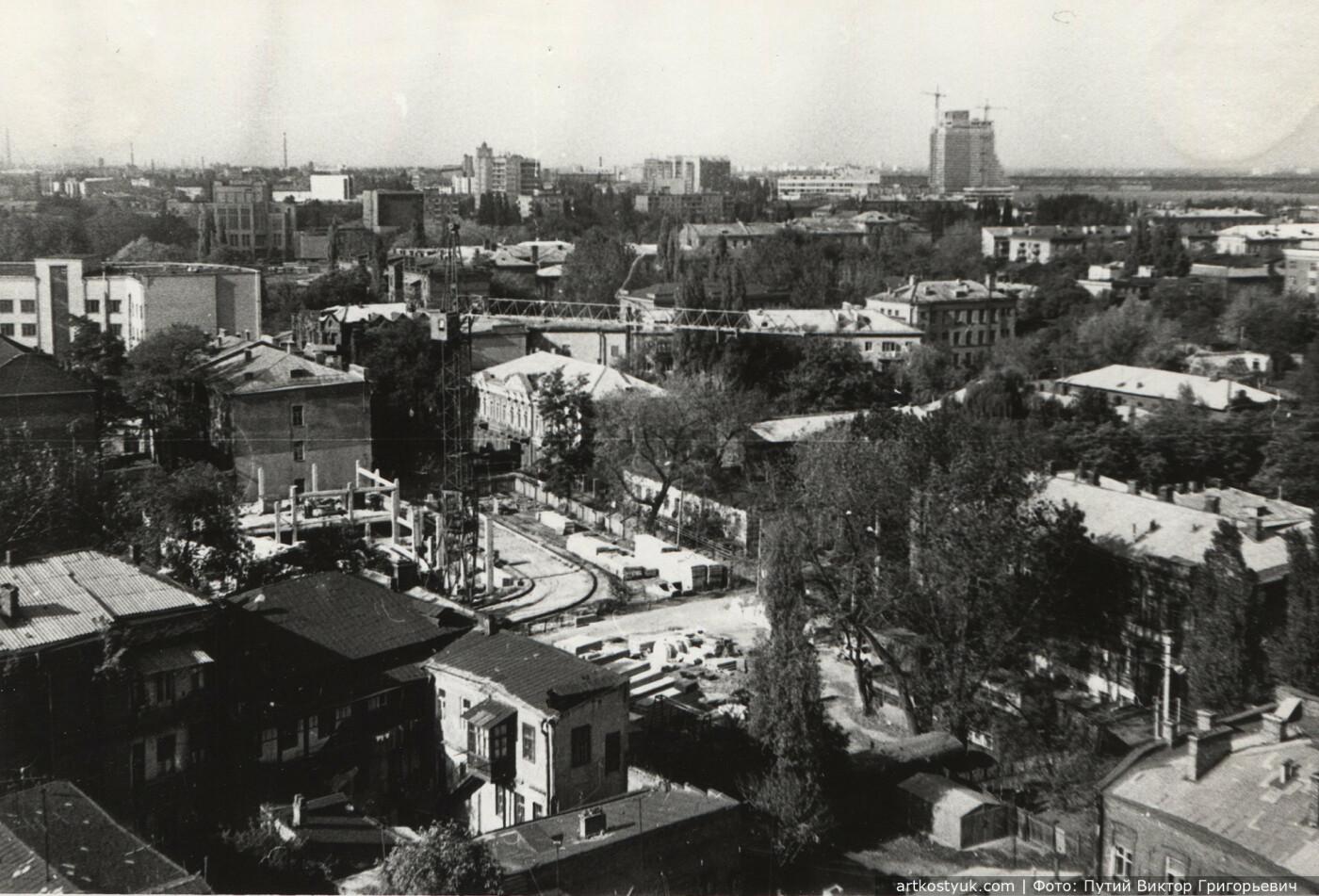 Пересечение улиц Глинки и Харьковская, конец 1980-х