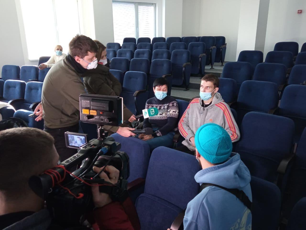 Днепровские медики спасли жизнь парня, получившего сверхтяжелые травмы, - ФОТО, фото-2