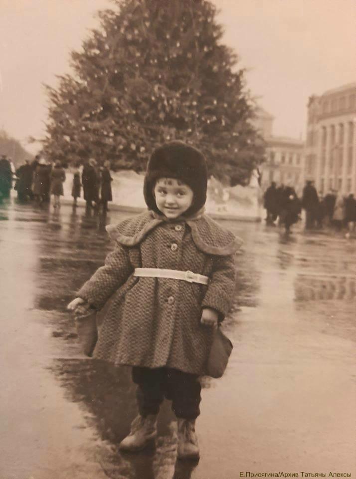 От времен СССР до сегодня: как раньше выглядела главная елка Днепра, - ФОТО, фото-1