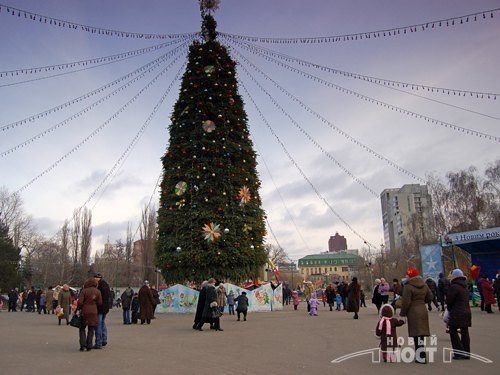 От времен СССР до сегодня: как раньше выглядела главная елка Днепра, - ФОТО, фото-6