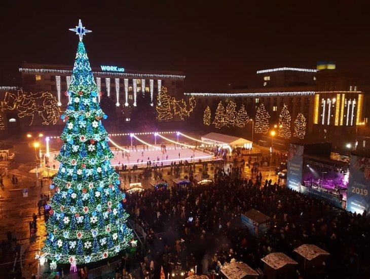 От времен СССР до сегодня: как раньше выглядела главная елка Днепра, - ФОТО, фото-9