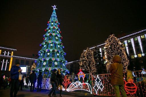 От времен СССР до сегодня: как раньше выглядела главная елка Днепра, - ФОТО, фото-10