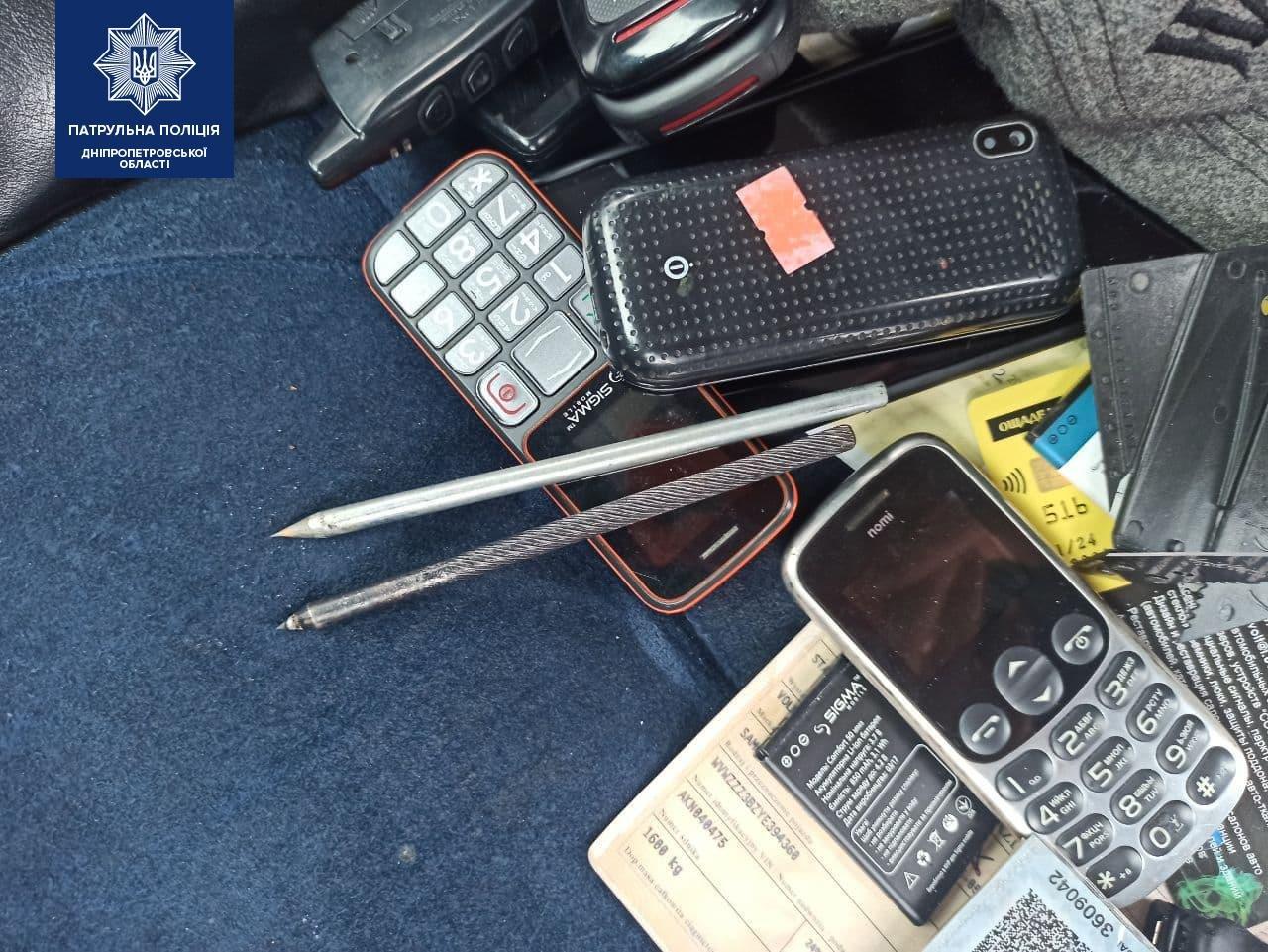 В Днепре преступник в розыске обокрал автомобиль и сбегал от полиции, - ФОТО, фото-2