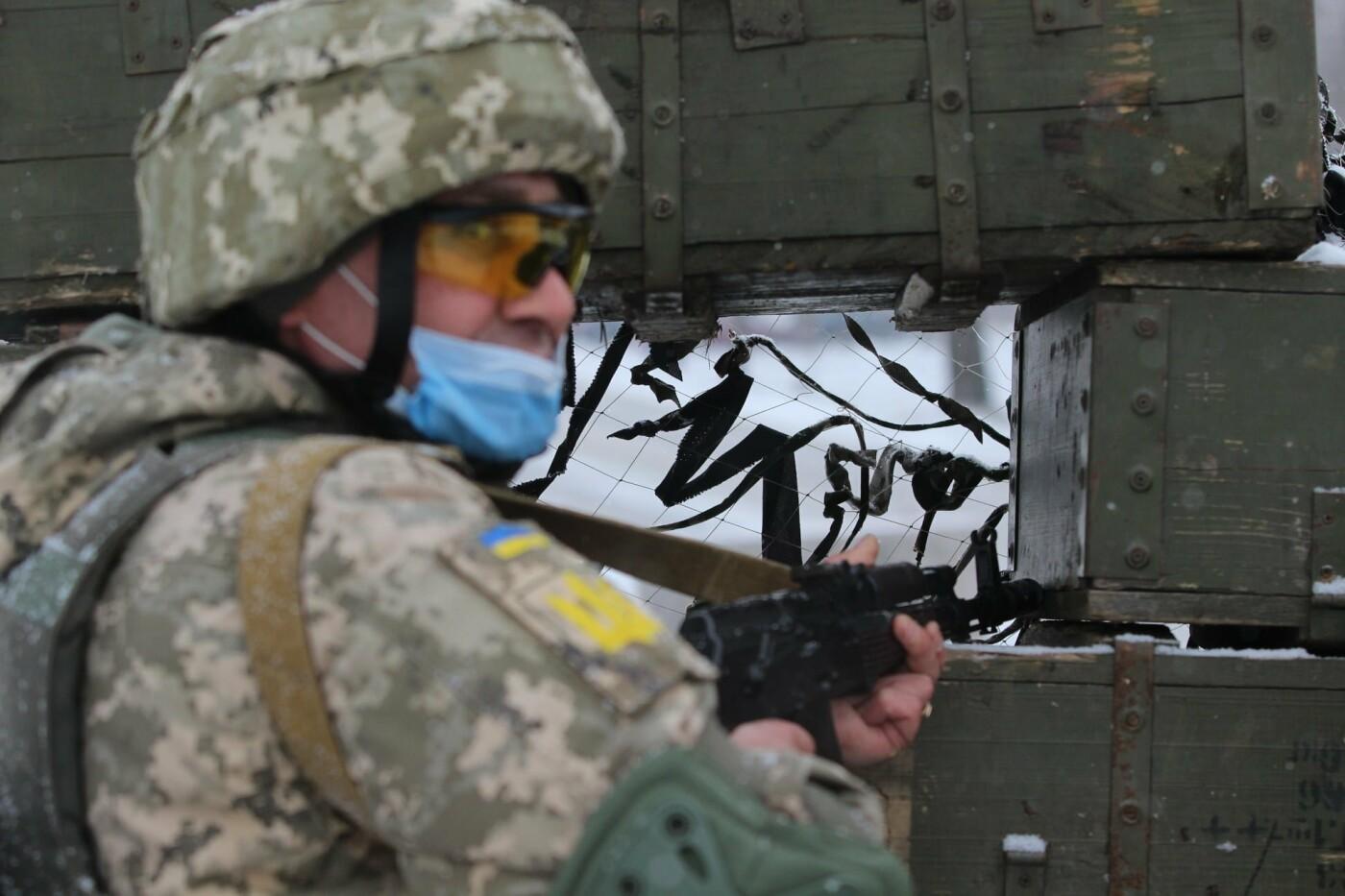 На Днепропетровщине военные освободили заложников, отбили штурм и задержали воров, - ФОТО, фото-2