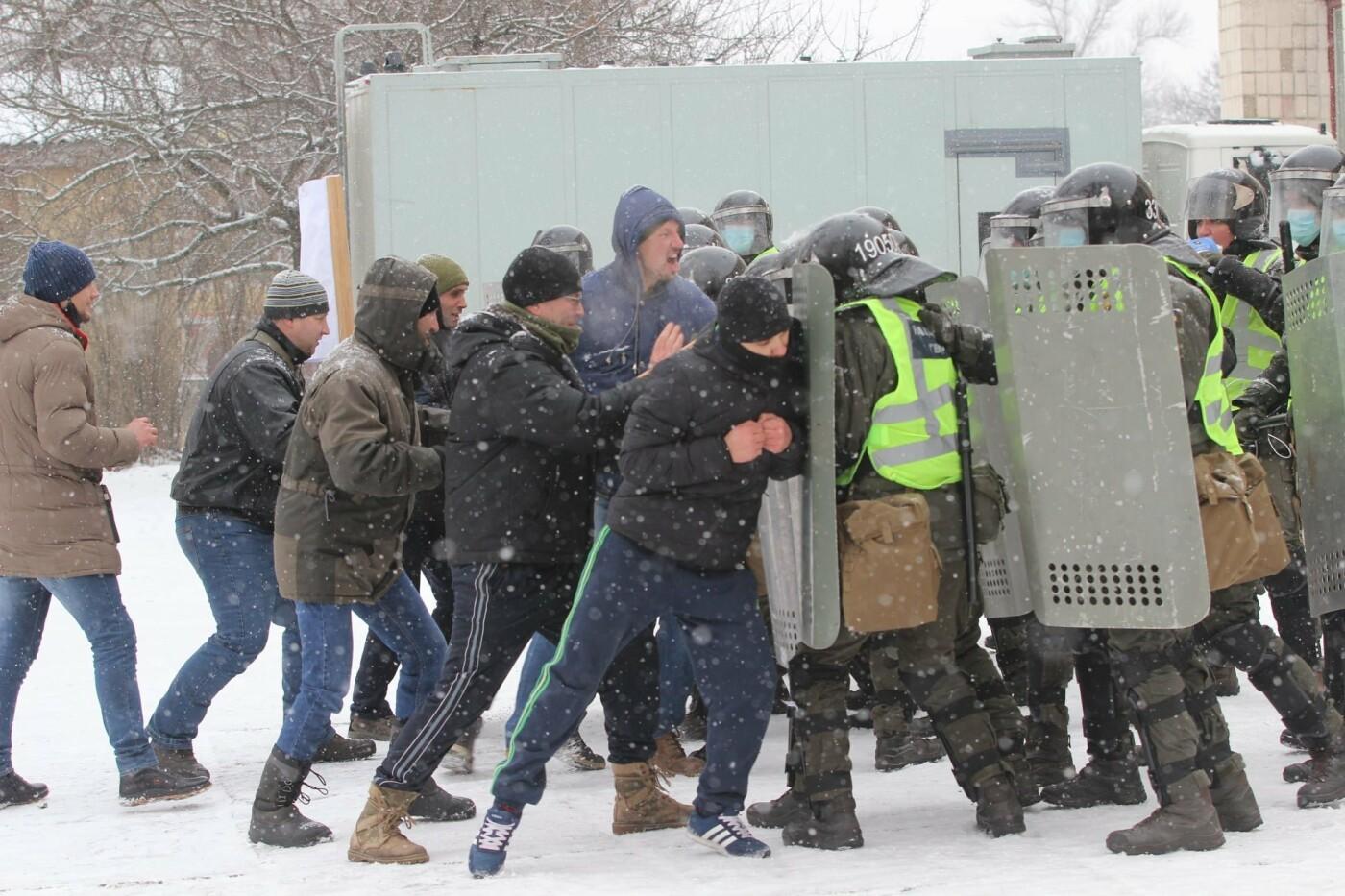 На Днепропетровщине военные освободили заложников, отбили штурм и задержали воров, - ФОТО, фото-5