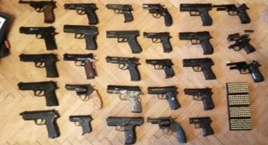 На Днепропетровщине переделывали спортивные пистолеты в огнестрельные и продавали через Интернет, фото-1