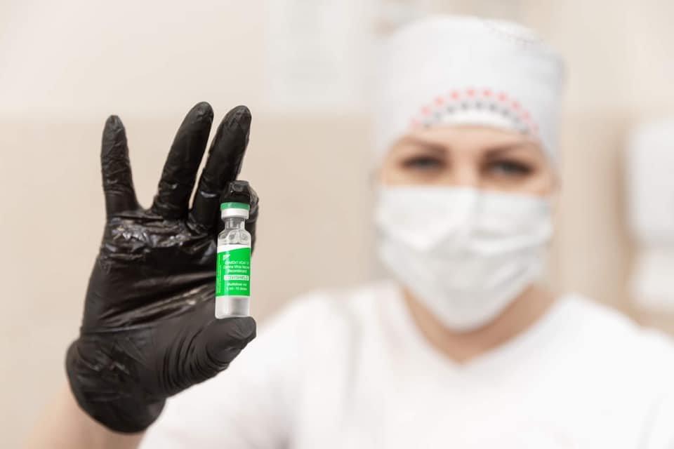 """""""Всем не болеть"""", - мэр Днепра публично вакцинировался от коронавируса, фото-2"""