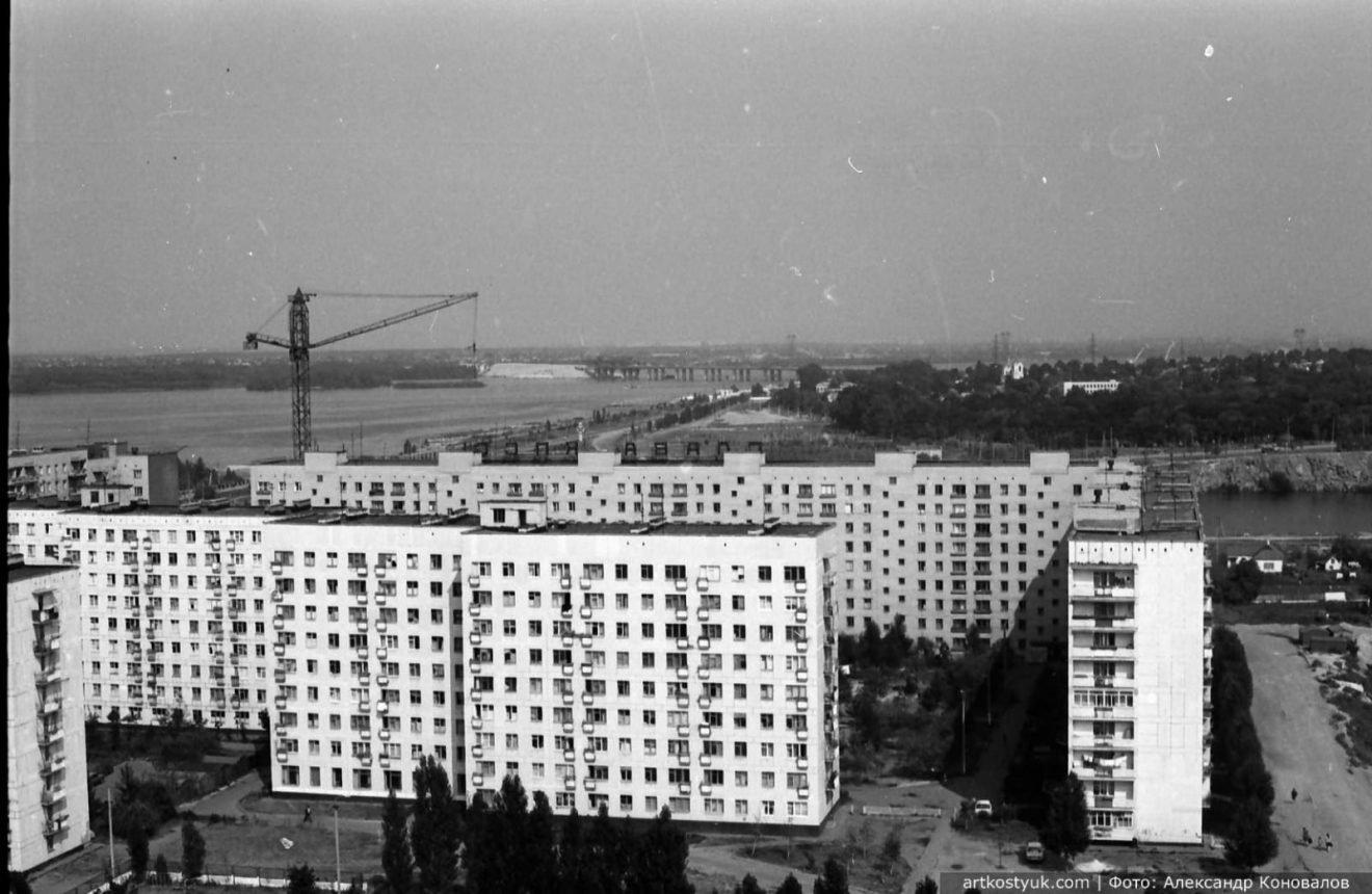 """Башенные краны, мост и легендарный карьер: как выглядел """"Красный камень"""" Днепра в 80-е, фото-1"""