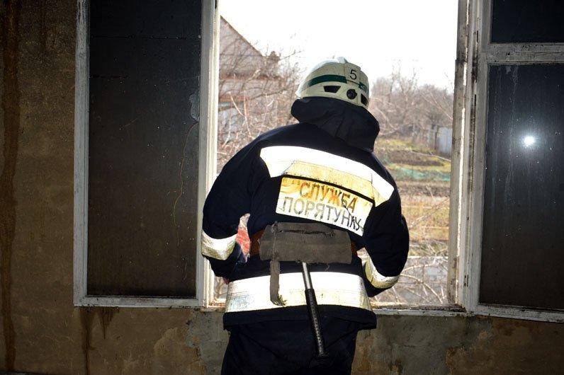 В Днепре на Дивизионной сгорел частный дом, фото-1