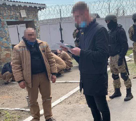 """Под Днепром 250 полицейских провели спецоперацию: поймали """"смотрящего"""" и банду вымогателей, фото-1"""