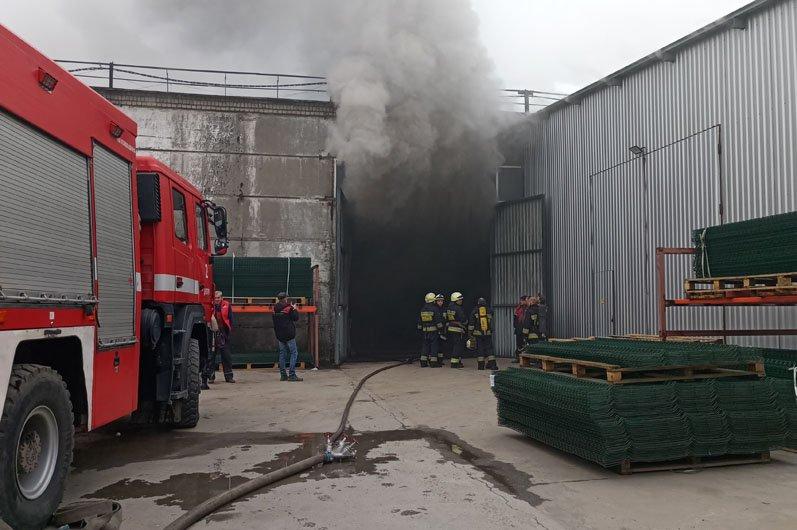 В Днепре произошел огромный пожар на производстве: подробности, фото-3