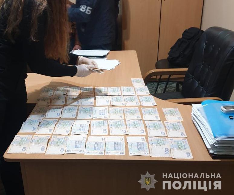 """Под Днепром двое россиян пытались """"купить"""" замначальника полиции: подробности, фото-1"""