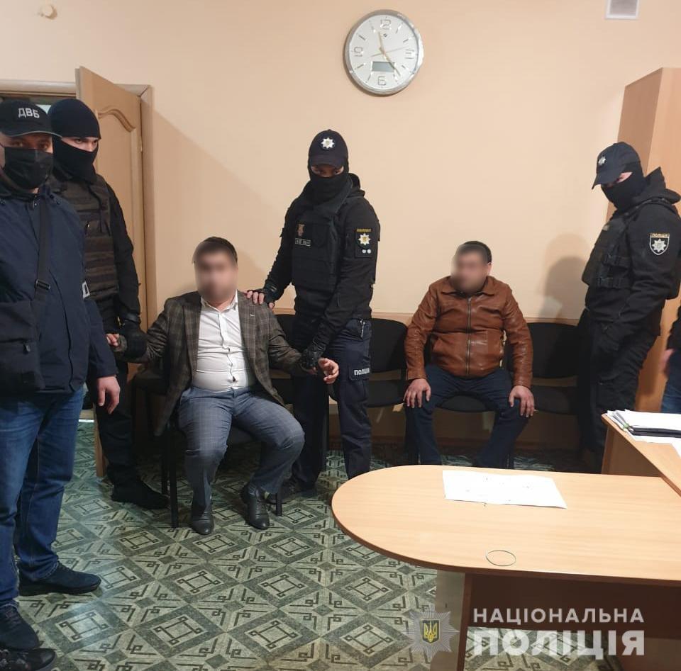 """Под Днепром двое россиян пытались """"купить"""" замначальника полиции: подробности, фото-2"""