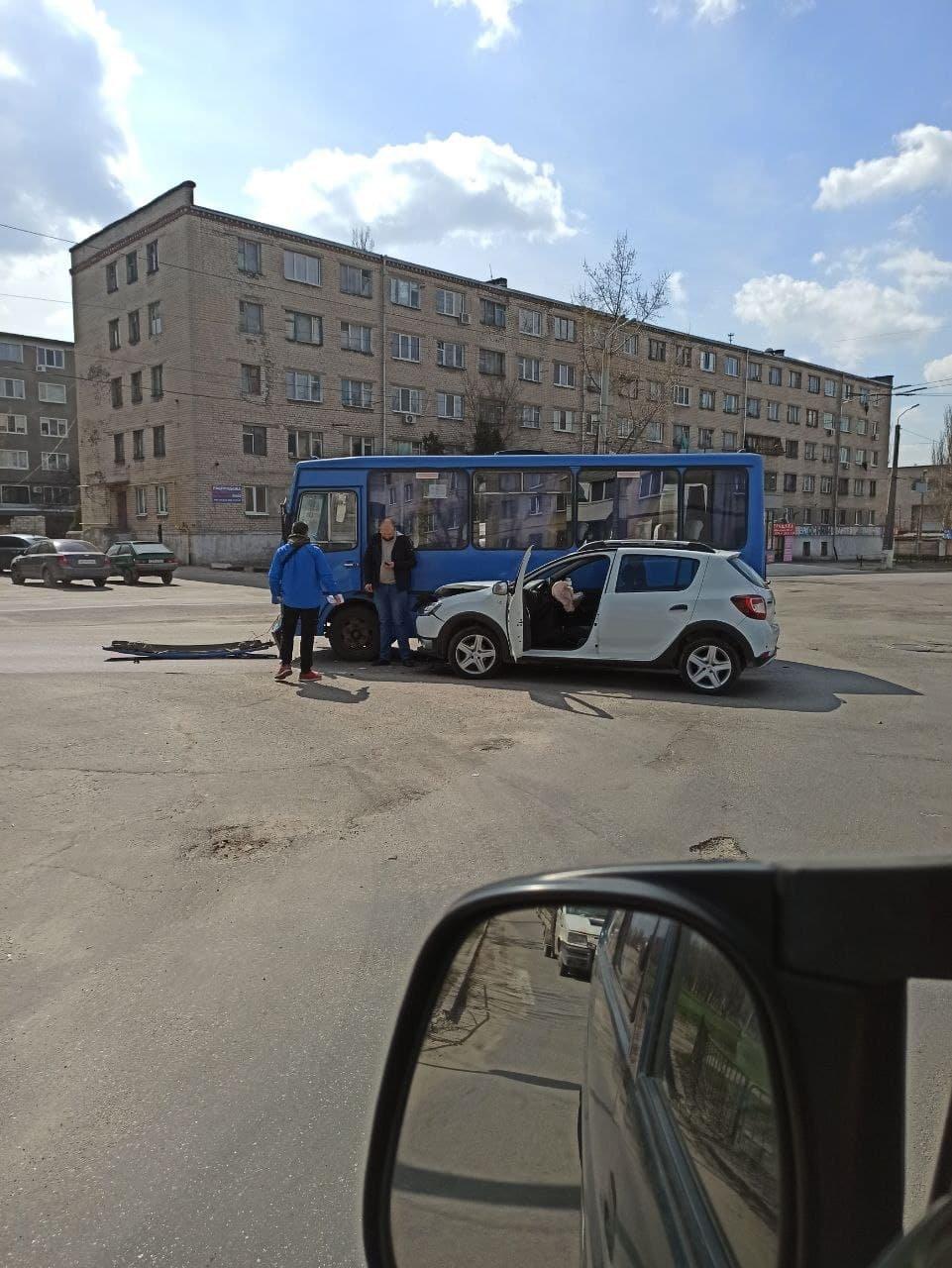 В Днепре маршрутка с пассажирами попала в ДТП, - ФОТО, фото-1