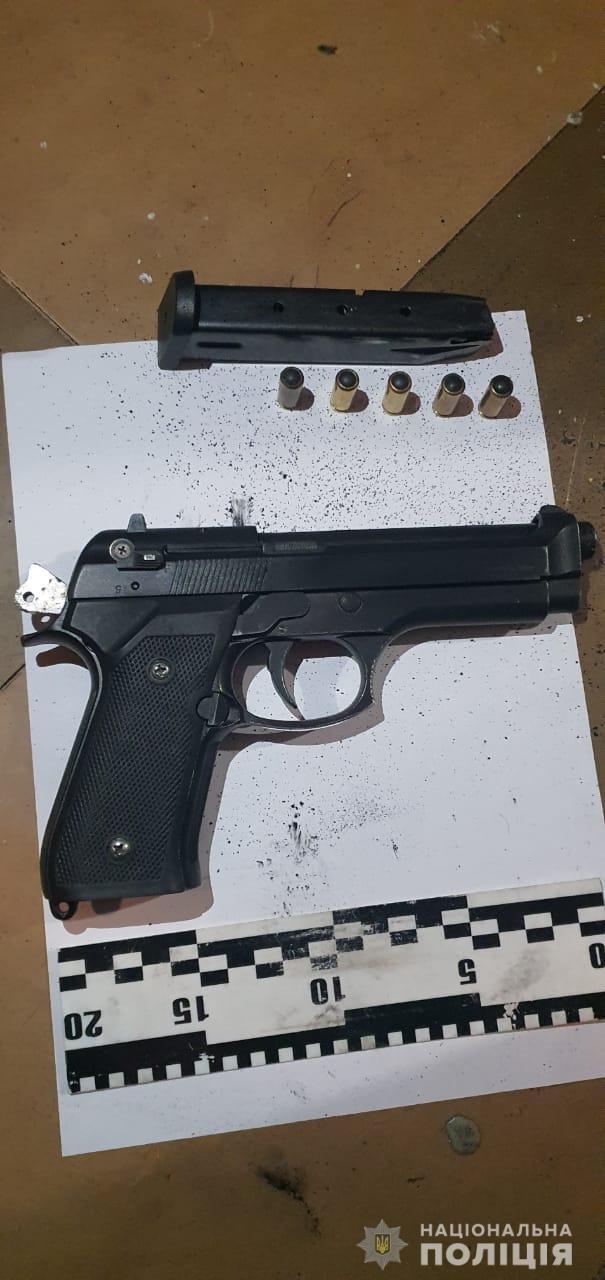 Разбойники-неудачники: в Днепре полиция нашла преступников, которые не нашли как вскрыть украденный сейф, фото-1